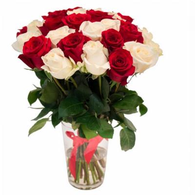 31 белая и красная роза 40 см