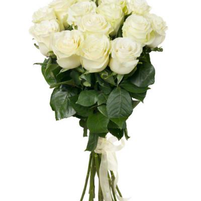 Букет из 15 белых роз 50 см