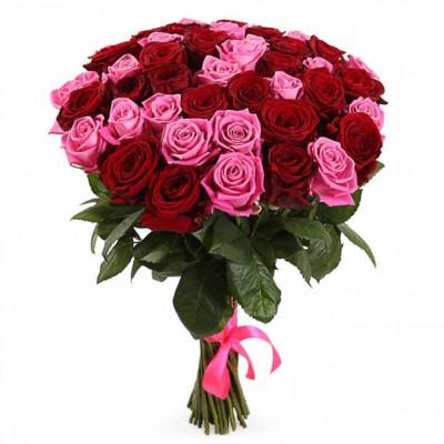 Букет из 51 красной и розовой розы 50 см