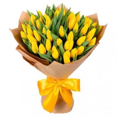 Желтые Тюльпаны в крафте 27 шт